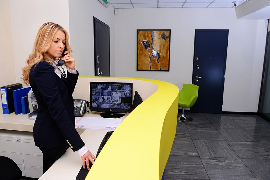 servizi-vigilanza-portierato_reception-centralino-servizi-di-informazione-servizio